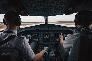 boeing-pilots-cockpit